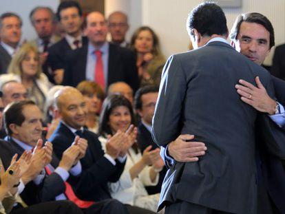 """Aznar exige a Rajoy que aproveche sus votos con reformas de """"alta intensidad"""""""