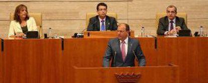 José Antonio Monago durante su intervención en la Asamblea de Extremadura.