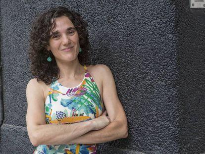La periodista Nazaret Castro, en el barrio porteño de Villa Crespo.