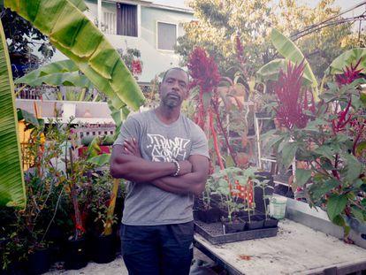 Ron Finley en su casa de Los Ángeles (EE UU).