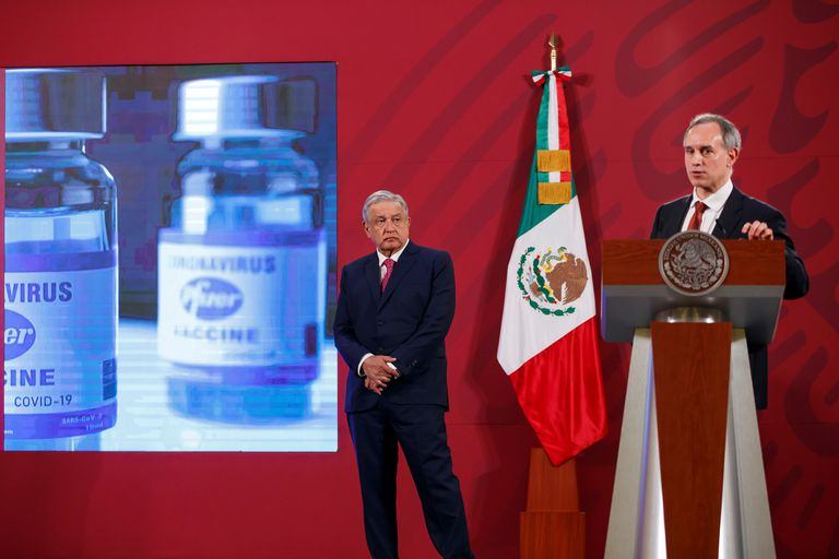 The Undersecretary of Health, Hugo López-Gatell, and President Andrés Manuel López Obrador at a press conference at the National Palace.