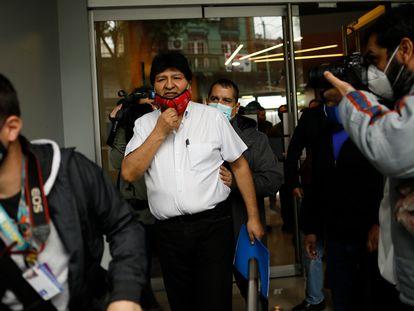 El expresidente de Bolivia, Evo Morales, sale del hotel de Buenos Aires, el pasado 22 de octubre.