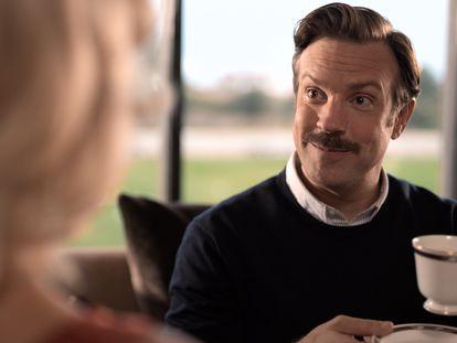Jason Sudeikis, en el primer episodio de 'Ted Lasso'.