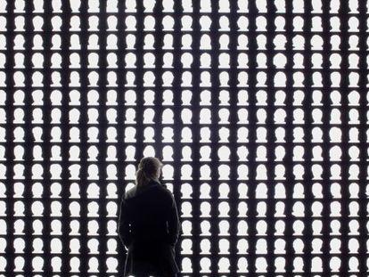 Instalación de Alfredo Jaar en el Museo de la Memoria de Santiago.