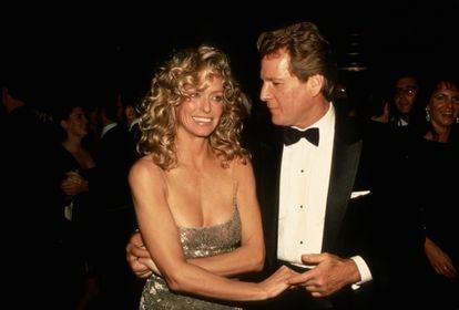 Farrah Fawcett y Ryan O'Neal en un estreno en Nueva York en 1989.