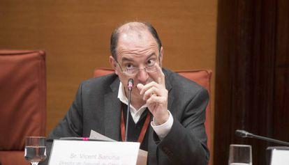 El nuevo director de TV3, Vicent Sanchis, durante la comisión de control de la Corporación Catalana de Radio i Televisió en el Parlament de Cataluña.