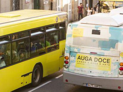 Autobuses urbanos de Santiago, vendidos por Díaz Ferrán a Monbus