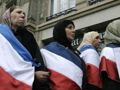 Musulmanas, en 2004 en París contra la prohibición del velo.