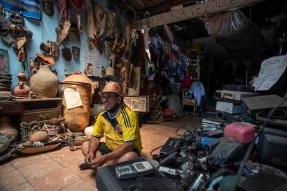 David Gómez, creador y director del Museo popular de Siloé (Cali), donde se exhibe la memoria del barrio desde su fundación.