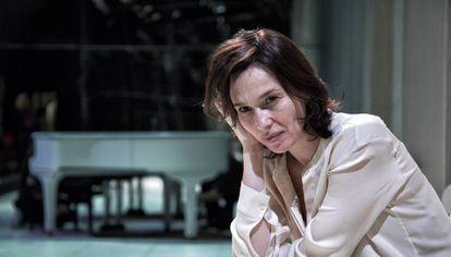 Ariadna Gil en el escenario del Teatre Lliure de Gràcia, donde representa 'Jane Eyre'.