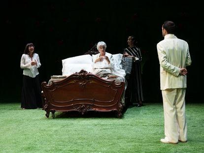 Una escena de 'La Víctor C.', en el TNC.