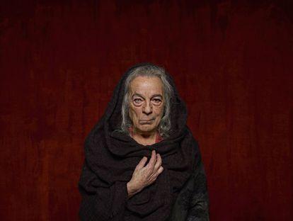El actor José Luis Gómez, caracterizado como la Celestina.
