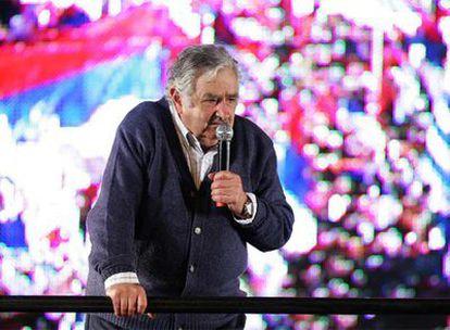 El candidato del Frente Amplio, José Mujica, en el acto de cierre de campaña en Montevideo.