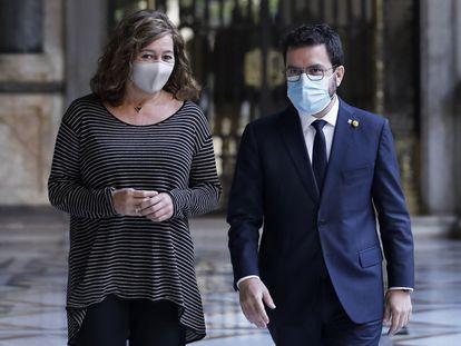 El presidente de la Generalitat, Pere Aragonès, y la presidenta del Gobierno de las Islas Baleares, Francina Armengol, en el Palau de la Generalitat en Barcelona.