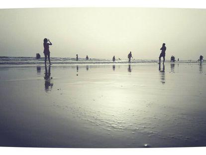 Fotografía tomada con un móvil de veraneantes en las últimas horas en la playa de Matalascañas (Huelva).