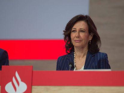 Ana Botín, presidenta de banco Santander, durante una junta de accionistas.