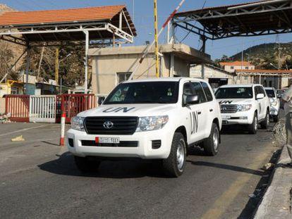 El convoy de inspectores, en Líbano, antes de dirigirse a Damasco.