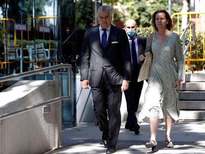 Luis Bárcenas, extesorero del PP, a su salida este viernes de la Audiencia Nacional.