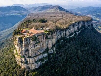 Vista aérea del Santuari del Far.