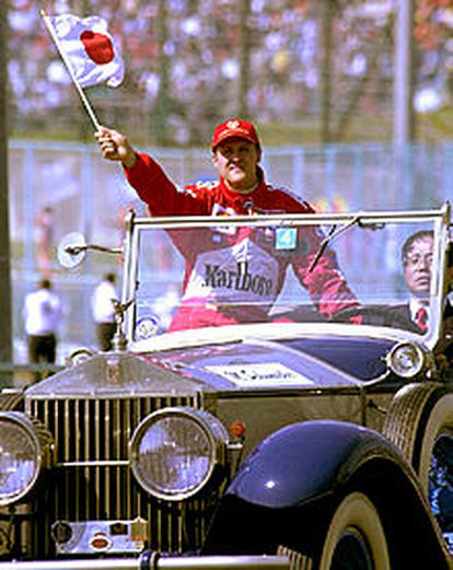 Michael Schumacher, tras ganar la carrera de Suzuka.