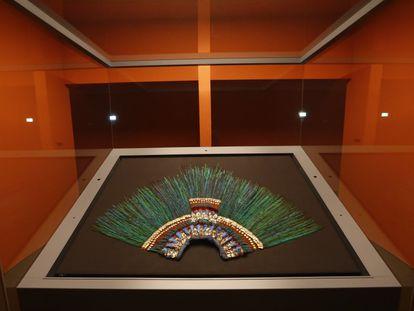 El penacho de Moctezuma, expuesto en el Museo Etnográfico de Viena, en una imagen de archivo.