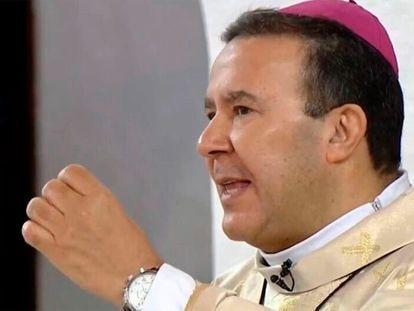 Tomé Ferreira da Silva durante una misa.