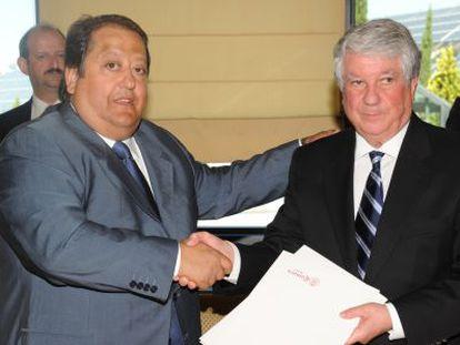 El empresario Alfonso Tezanos (izquierda), junto al presidente de la patronal Ceim, Arturo Fernández.