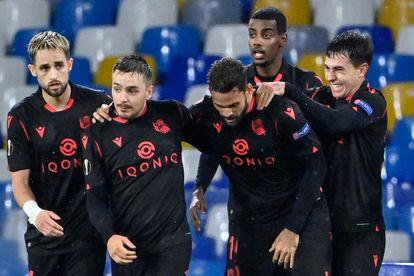 Los jugadores de la Real celebran el gol de William José este jueves ante el Nápoles en la Liga Europa.