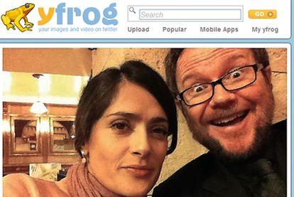 Salma Hayek y Santiago Segura en una fotografía subida a la red por Boris Izaguirre.