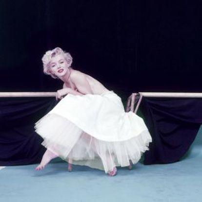 La actriz Marilyn Monroe fotografiada por Milton H. Greene, entre 1953 y 1957.