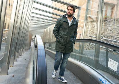 Iñaki García Calvo, exconcejal del PP en Vitoria, pasea este pasado viernes por las calles de la capital alavesa.