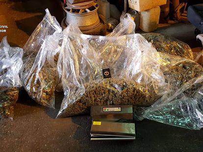 Marihuana incautada por la Guardia Civil.