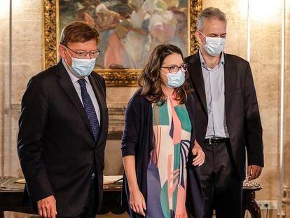 El presidente de la Generalitat, Ximo Puig; la vicepresidenta del Consell y consejera de Igualdad, Mónica Oltra y el vicepresidente segundo y consejero de Vivienda, Héctor Illueca.
