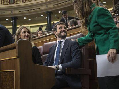 La portavoz del PP en el Congreso, Cayetana Álvarez de Toledo, y el presidente popular, Pablo Casado, en el Congreso de los Diputados este miércoles.