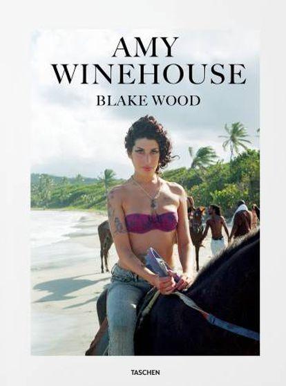 La cantante Amy Winehouse, en la portada del libro 'Amy Winehouse by Blake Wood'.