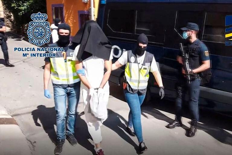 La Policía detiene en Madrid a un integrante del ISIS encargado de gestionar el dinero.