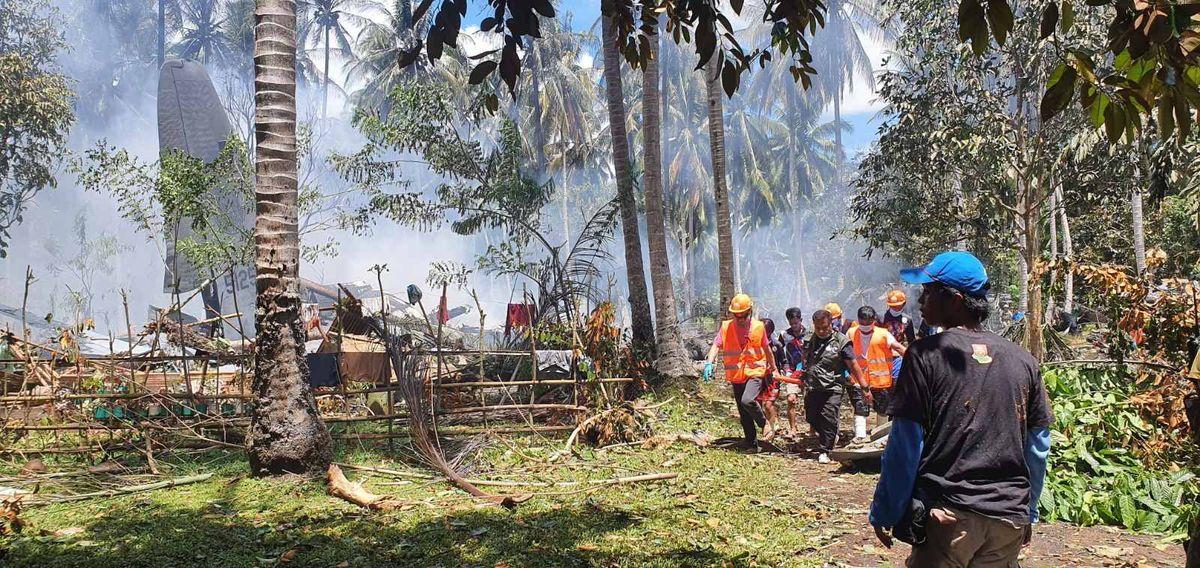 Al menos 45 muertos y 53 heridos al sur de Filipinas en el accidente de un avión militar
