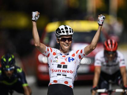 Barguil celebra la victoria.