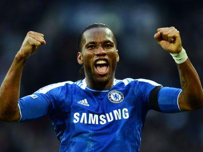 Drogba celebra su gol en la FA Cup ante el Tottenham.