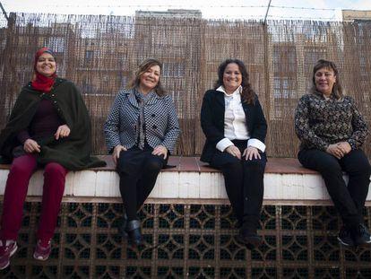 Las emprendedoras Hanane Karfasse, Yolanda Pereda, Clara Solarte, Berta García, tras una reunión con la fundación Servei Solidari