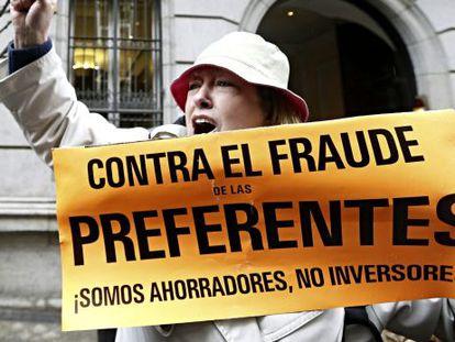 Protesta de afectados por las preferentes en Madrid.