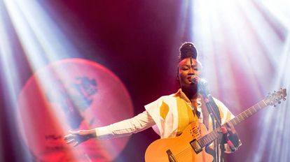 La cantante senegalesa Marema durante su interpretación en el Visa For Music de Rabat.