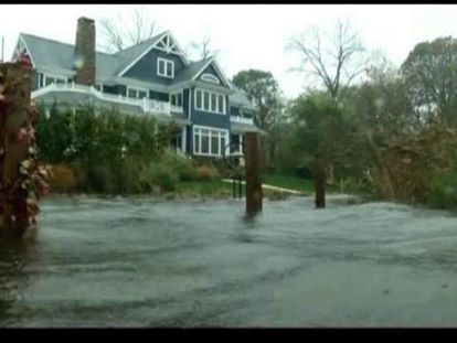 Sandy deja al menos 50 muertos y a millones de personas sin luz