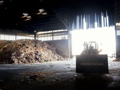 Conversión de sobras alimentarias de Lidl en pienso para animales en la empresa Promic, en Les Masies de Voltrega (Barcelona)