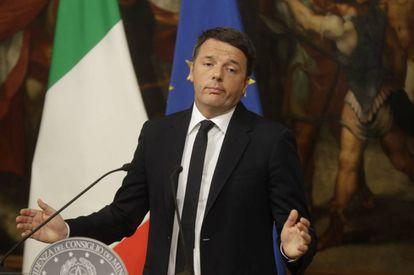 Matteo Renzi en el momento de anunciar su dimisión.