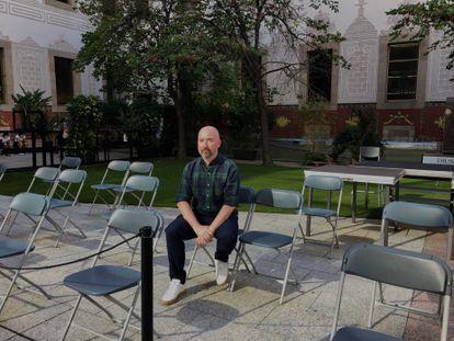 16-09-2021 El escritor escocés Douglas Stuart en el patio del CCCB de Barcelona.  El premio Booker 2020 se distancia de la narrativa social británica de Welsh o Loach  CATALUÑA ESPAÑA EUROPA BARCELONA CULTURA
