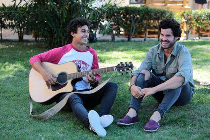 Antón Carreño y Willy Bárcenas, de Taburete, durante un encuentro con la prensa en Madrid durante el verano de 2017.
