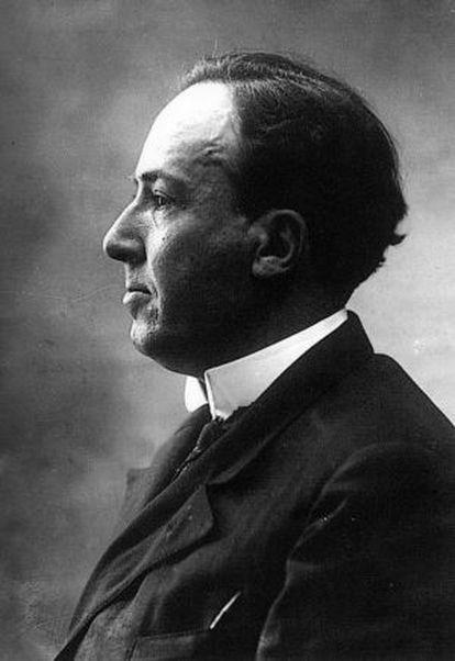 Antonio Machado, fotografiado por Alfonso hacia 1927.