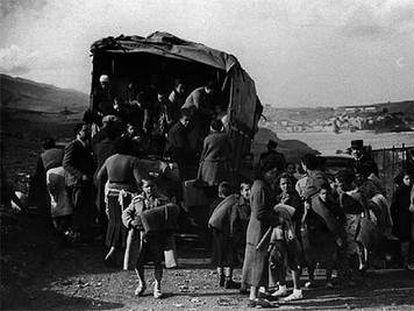 Éxodo de refugiados republicanos españoles en Port Vendres, en el sur de Francia, en el invierno de 1939.