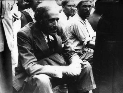 El dirigente socialista Julián Besteiro, en la Escuela de verano de las Juventudes Socialistas, en 1933.